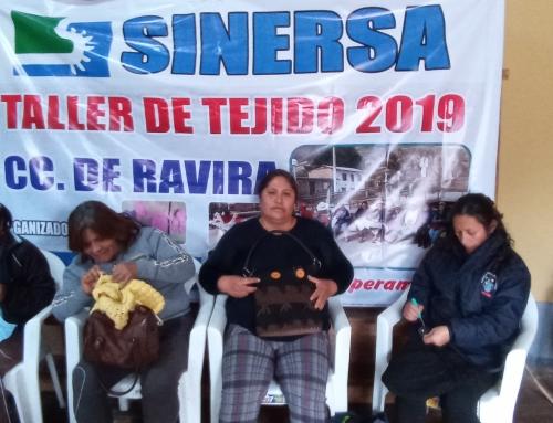 Mujeres de la Comunidad Campesina de Ravira se benefician con talleres de tejido